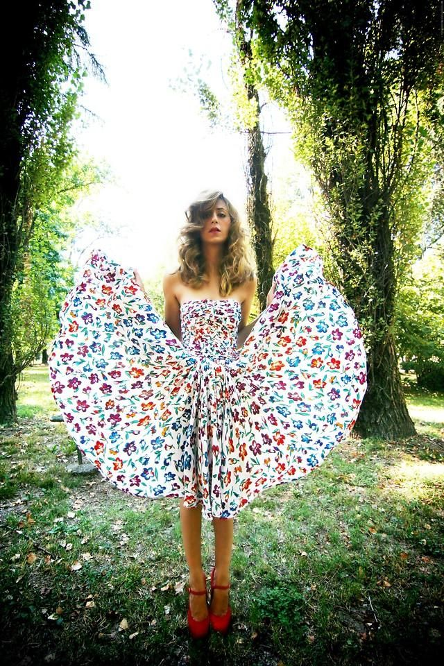 fly away: Fashion, Floral Dresses, Top, Cool Dresses, Floral Pattern, Amazing Dresses