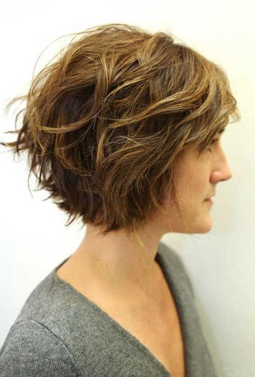 Chic Wavy Short Hairstyles | http://www.short-haircut.com/chic-wavy-short-hairstyles.html