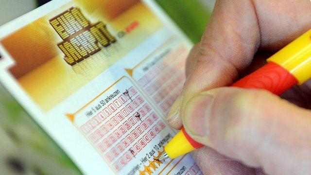 Neue Nachricht: Glücksspiele: Gewinner aus Bayern und Ungarn teilen sich 45 Millionen Euro - http://ift.tt/2kwsS22 #nachrichten