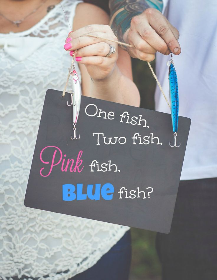 Fishing gender reveal! Pink fish @boogm76 @turningtidesphotography