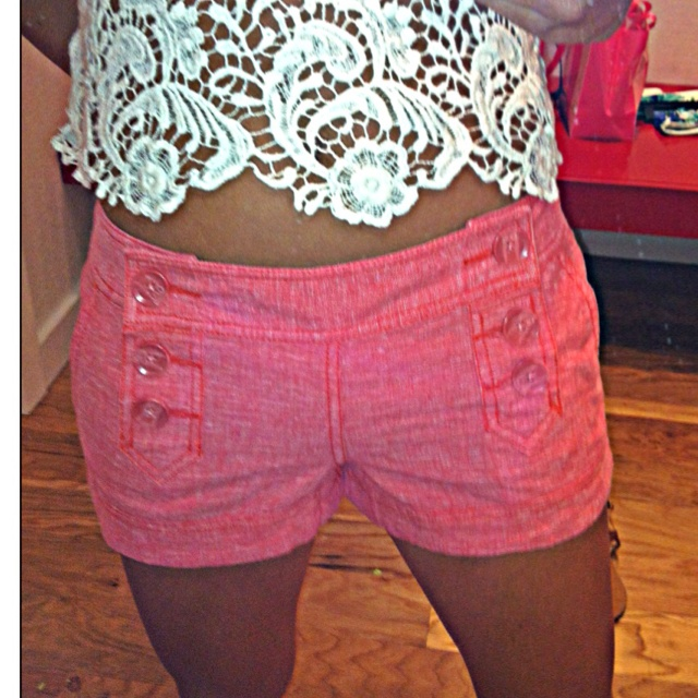 Coral shorts and crochet top = summer time!Crochet Tops, Coral Shorts, Summer Time