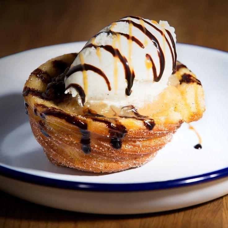 Lust auf was Süßes? Churro Apple Pie Cup - Mmmmmhh!  . . #yummy #sweet #cake #pie #kuchen #apple #applepie #churro #churros #vanilla #vanille #ice #icecream #pie #homemade #dessert #marktredwitz #burger #restaurant #sweettooth #instasweet #instafood #foodie