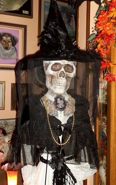 DEBBIE-DABBLE Halloween Decorations , Part One 2012 All Hallows - skull halloween decorations