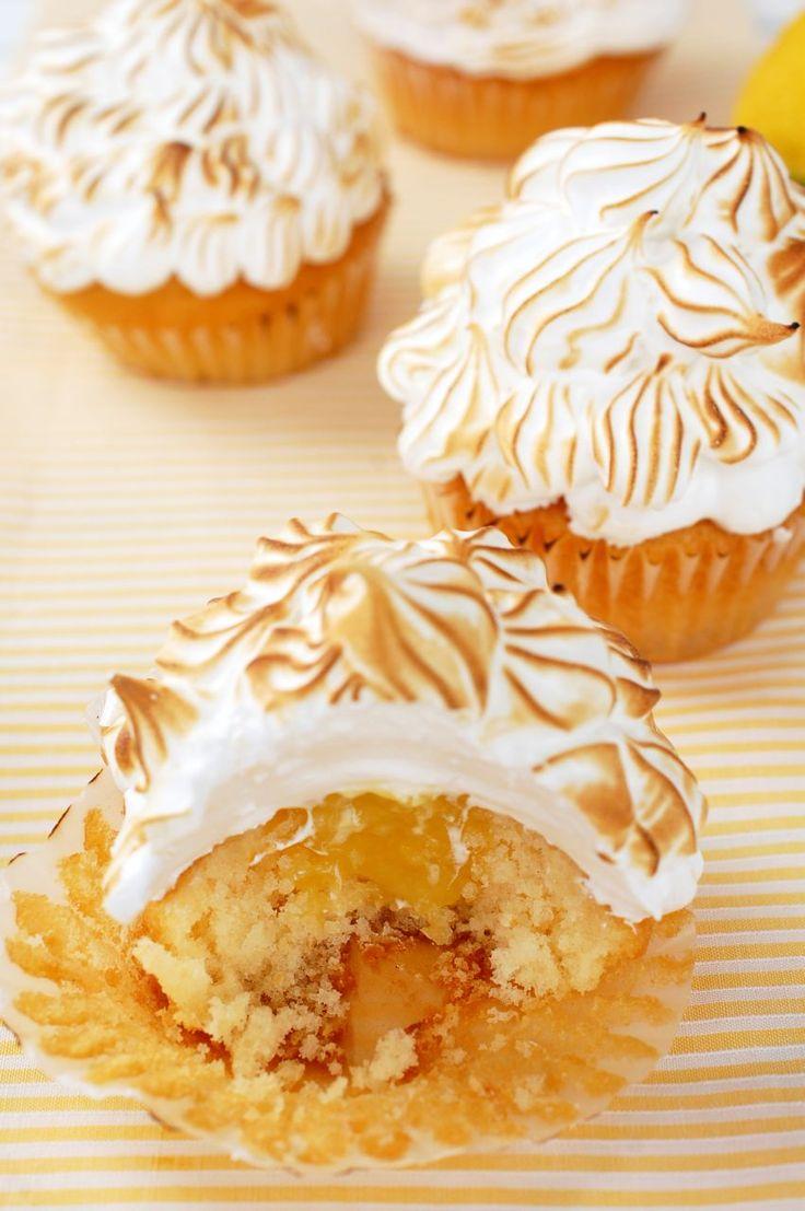 Cupcakes cu lamaie si bezea