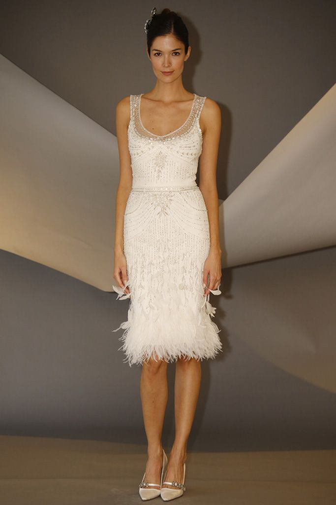 Vestido de novia corto de Carolina Herrera años 20 (FW 2014) #weddingdresses #NYBW