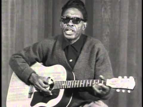 Lightnin' Hopkins performs Baby, Please Don't Go. From his Vestapol DVD collection Lightnin' Hopkins - Rare Performances 1960-1979 (http://www.guitarvideos.c...