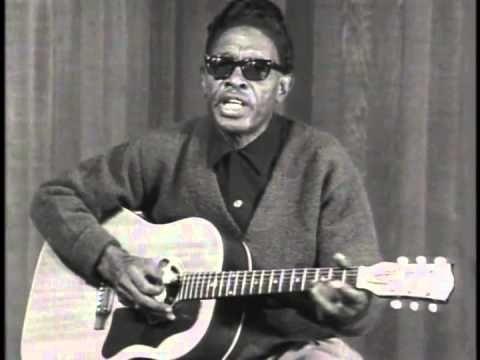 Lightnin' Hopkins performs Baby, Please Don't Go. From his Vestapol DVD collection Lightnin' Hopkins - Rare Performances 1960-1979 (http://www.guitarvideos.c...