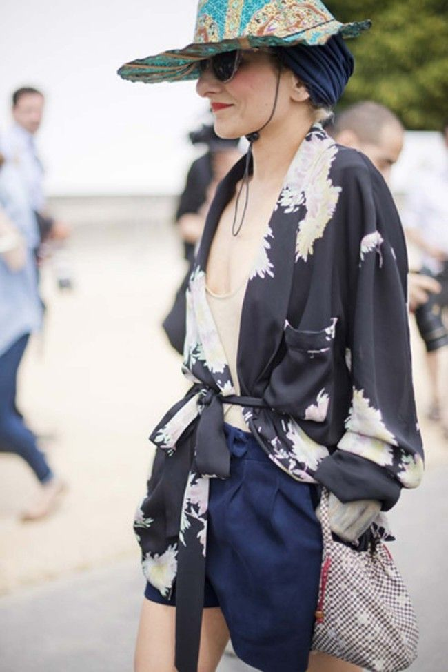 Street style at the couture shows in Paris gallery - Vogue Australia