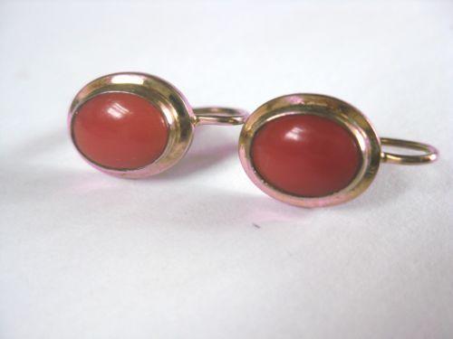 Ohrringe-Gold-333-mit-Koralle