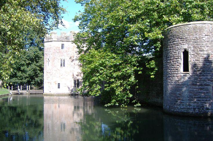 Bishop's palace, Wells