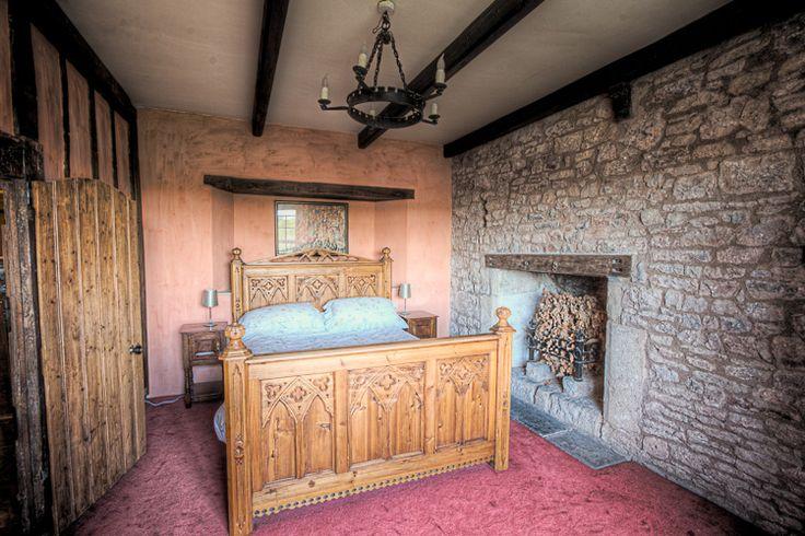 medieval bedrooms | Medieval Bedroom - Llanthony Secunda Manor