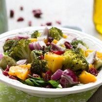 Salade brocoli mangue oignon