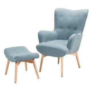 Das Set Besteht Aus Einem Sessel Und Einem Hocker. Der Polstersessel Lädt  Mit Seiner Bequemen