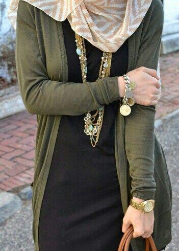 ..Simple Hijabi Outfit Idea..