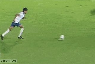 Epic Football Fail | Funny Pictures, Funny Gifs, Funny Quotes, Funniest Jokes, Images, Photos, Pics