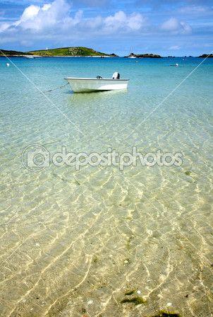 Управляй лодкой плывущей по морю, Силли — Стоковое фото © SRphotos #2286994