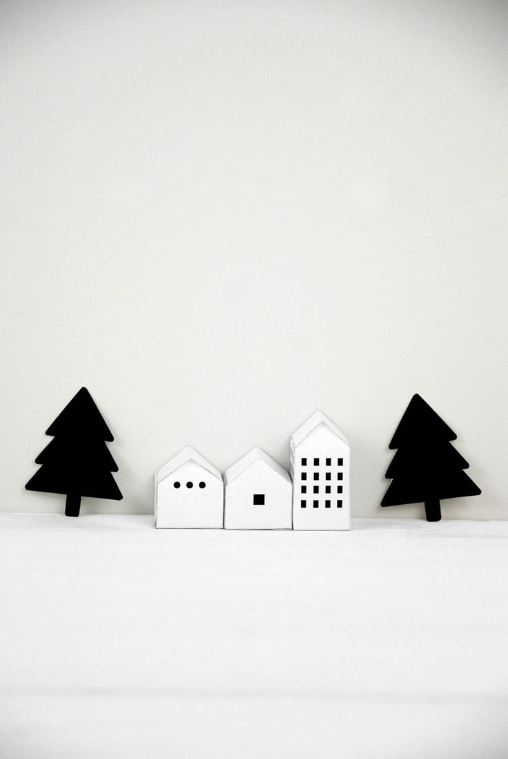 small houses and trees:) / house templates from Mr Printables http://www.mrprintables.com/christmas-advent-calendar-street.html