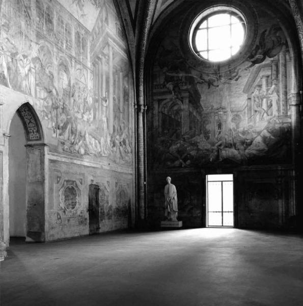 Abbazia di Chiaravalle - interno - affreschi