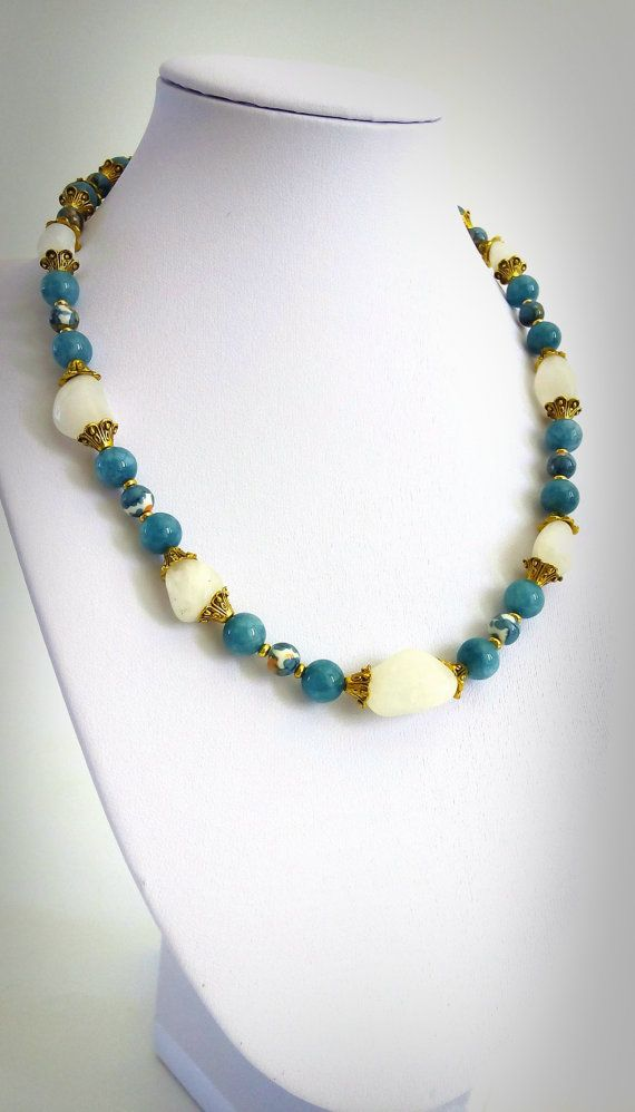 STATEMENT NECKLACE AGATE Stone. Free Form White Agate by GECHELINE