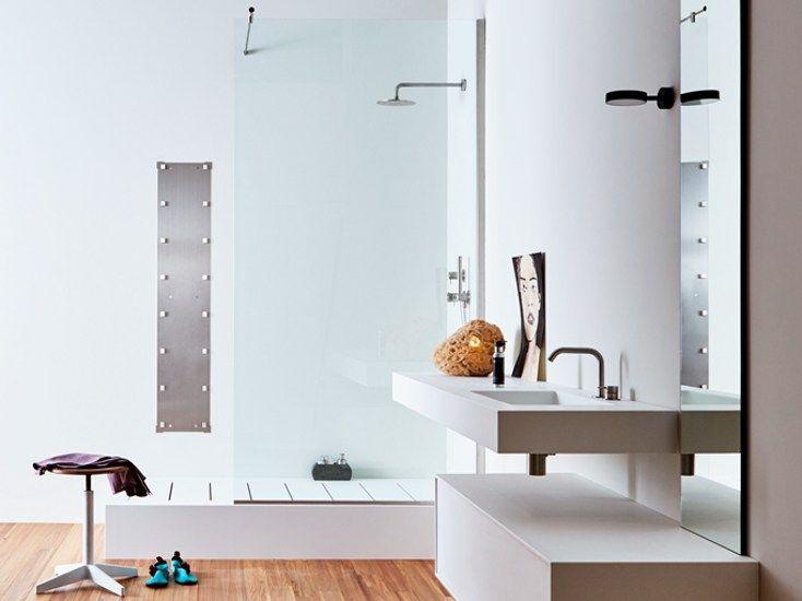 Badewanne / Duschkabine aus Corian® BATHTUB-SHOWER by Rexa Design