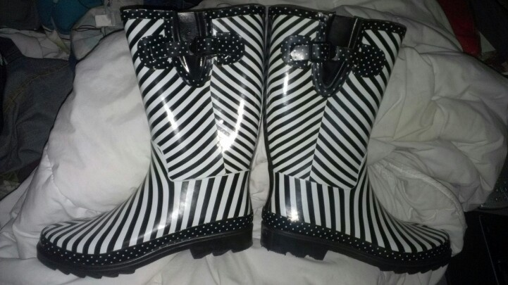 Thank you Target for these awesome rain boots now that I live on black mountain where the thunder is the loudest I've ever heard and a rushing river goes by the front of my house everytime it rains.  Love it!  Now if I can just find a match rain poncho. ;)