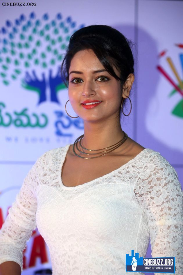 Latest Stills of Shanvi Srivastava