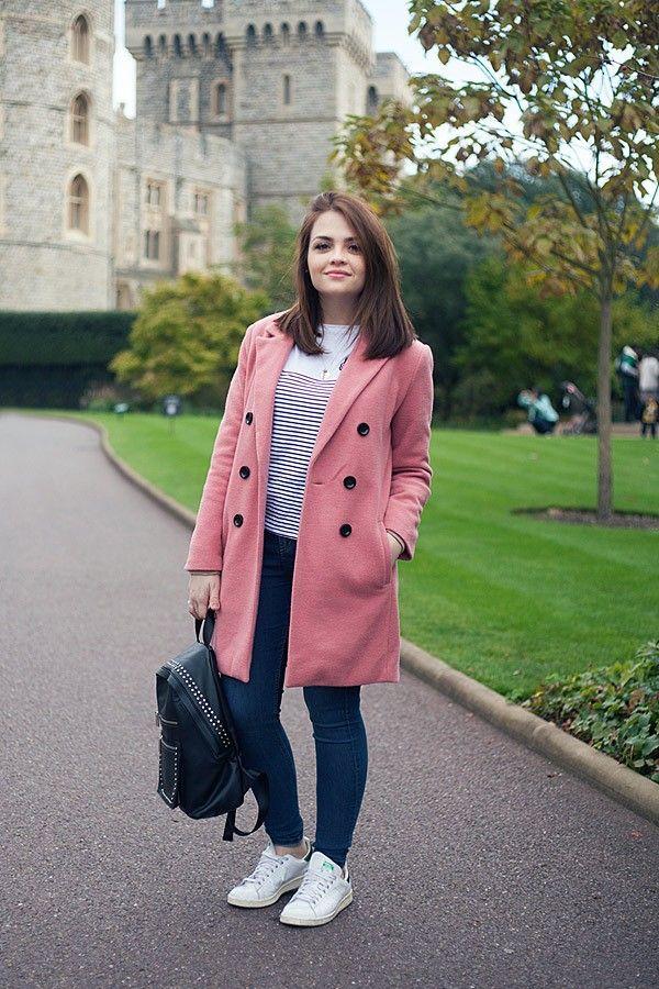 Look da Ka em Londres: Casaco cor-de-rosa e camiseta listrada