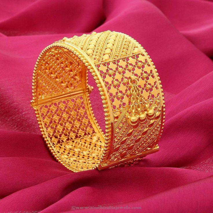 Big Gold Bangles, Broad Gold Bangles, Big Gold Bridal Bangles Designs.