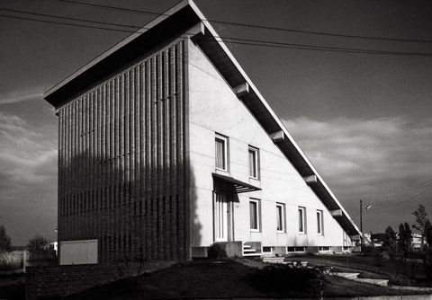 germanpostwarmodern:  House Van Hellem (1958-64) in Zellik, Belgium, by Renaat Braem