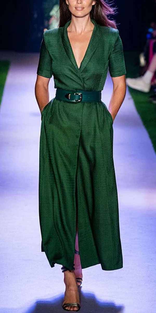 Elegant pure color lapel dress