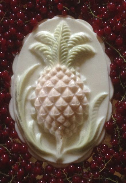 Pineapple flummery from 1790s Wedgewood mould