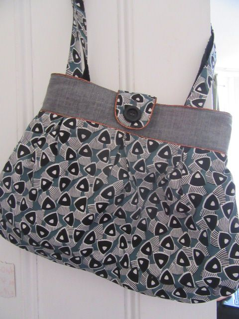 Epic Anya shoulder bag with bronze piping by Prolific Project Starter