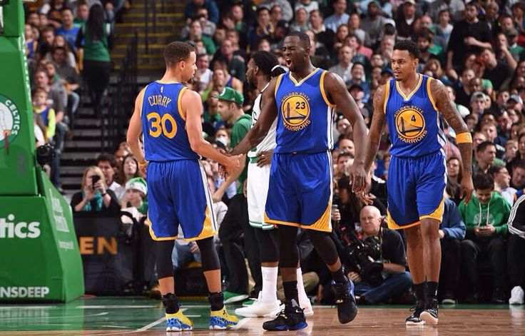 Stephen Curry (30) Draymond Green(23) Brandon Rush (4)