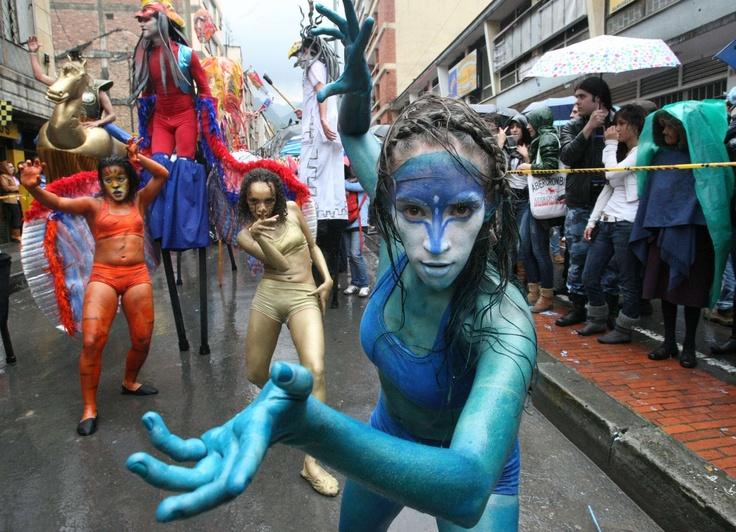 Las mujeres felinas del Festival Iberoamericano de Teatro. Foto: Luis Lizarazo / EL TIEMPO