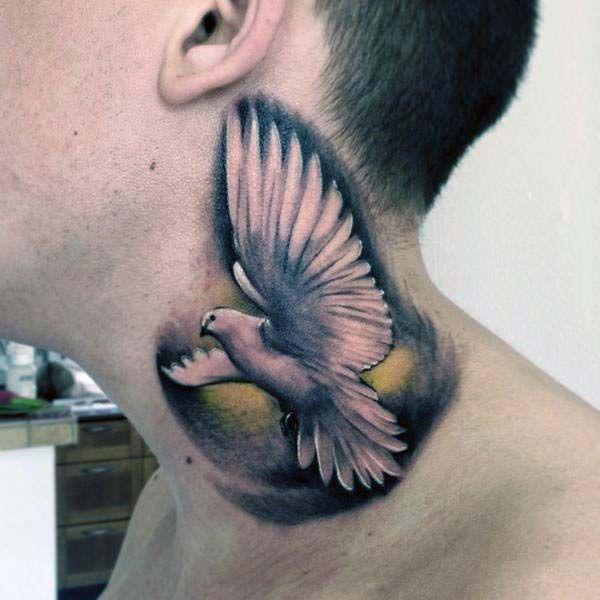 tatuaż gołąb na szyi
