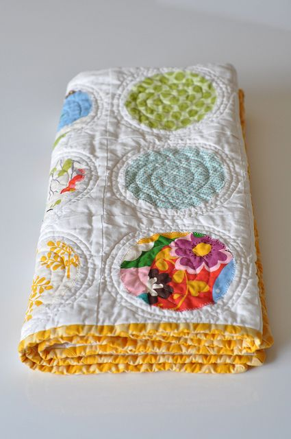 Quilting on circle quilt