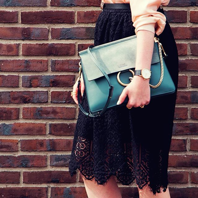 OMW with FAYE .  .  .  .  .  .  .  .  . .  .  .  #fashion #fblogger #fashionblogger #style #styleblogger #outfit #outfitoftheday #outfitinspiration #ootd #wiw #wiwtd #whatiwore #whatiwear #whatimwearing #hm #hmstyle #hmootd #chloe #chloefaye #chloebag #chloegirls #zara #triwa