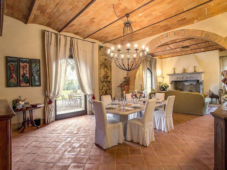 Casa in #campagna a Castiglion Fibocchi, provincia di #Arezzo, 25 posti letto. #Toscana