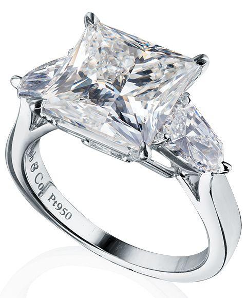 Кольцо Jacob & Co из платины 950 пробы с бриллиантами. 1 бриллиант 5,01 карат 9,33х9,41х6,74мм. Цвет G. Чистота VS2. 2 бриллианта 1,31 карат Цвет F-G. Чистота VS2-SI1. Цена у нас 80,000 $