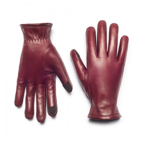 The Selina is a modern dress glove built to weather cool days and cold nights in impeccable style. Our most formal glove is everyday-friendly as well, crafted using fine lambskin from the best English tanneries, a plush lining for softness, and a ribbed w