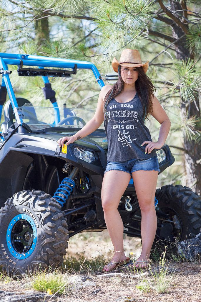 Little Bit Country Tank Off Road Vixens Clothing Co