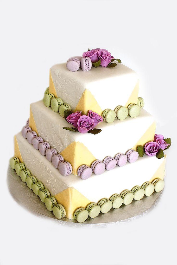 Wedding cake with macaroons