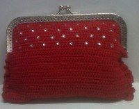 Bolso de fiesta, realizado en ganchillo, con strass de swaroski  Cadena de 90 cm  ¡¡Elige tu color favorito y te lo hacemos!!  45 euros