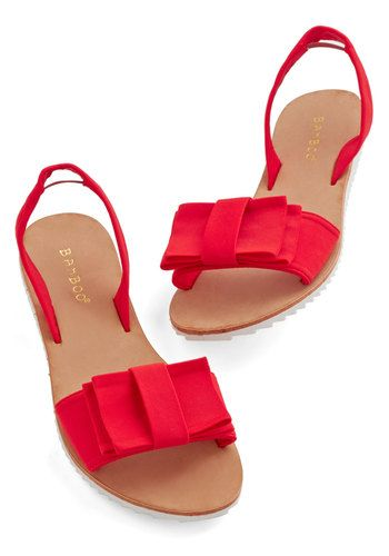 Bows on toes //Red Sandals, Fashion, Red Modcloth, Red Flats, Red Shoes, Clothing Accessories, Slingback Sandals, Dock Sandals, Bows Sandals
