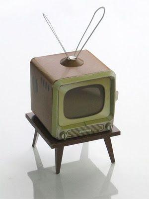 how to: paper model retro TV