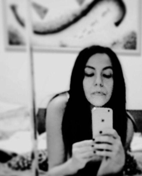 Io allo specchio autoscatto io allo specchio pinterest ios - Valeria allo specchio ...