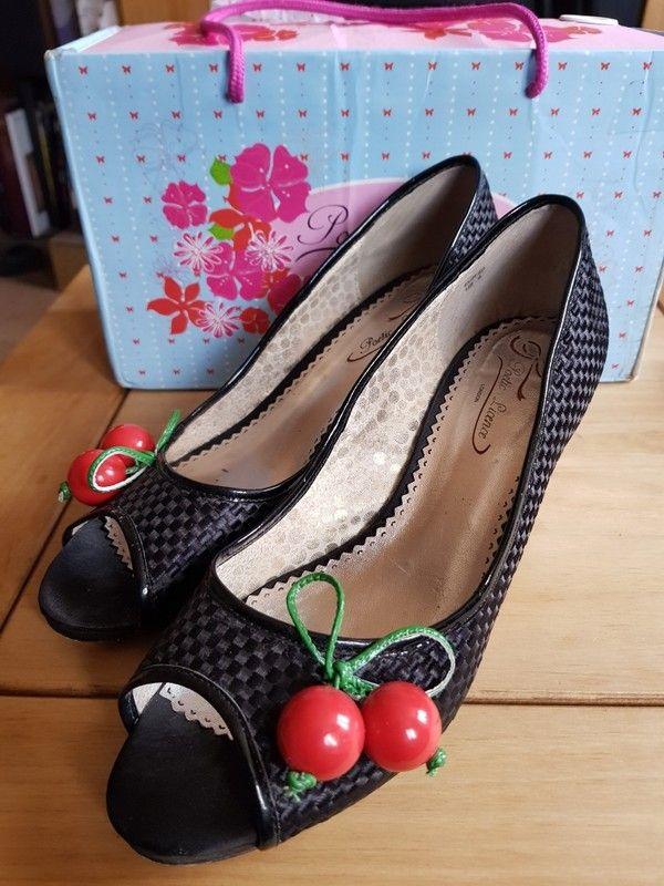 Poetic Licence by Irregular Choice Playland Cherry Shoes 6.5 7 eu40 Rockabilly
