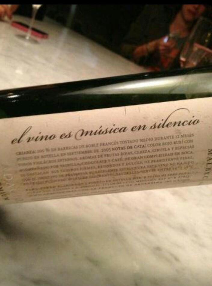 El vino es musica en silencio