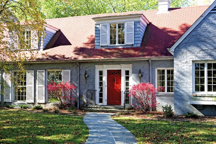 Revive vinyl casement pocket replacement windows from Windsor Windows & Doors. Fine craftsmanship at a fair price, built to order, quick installation, and minimally invasive.