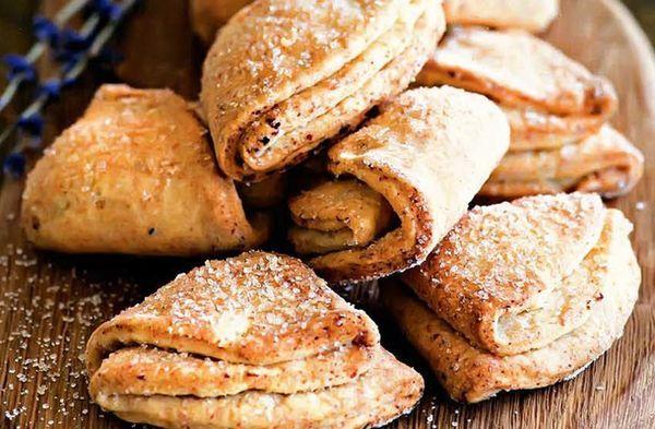 Печенье творожные конвертики - рецепт приготовления. Замечательное печенье и простой рецепт. при желании можно придать ему вкус лимона, корицы...Читать